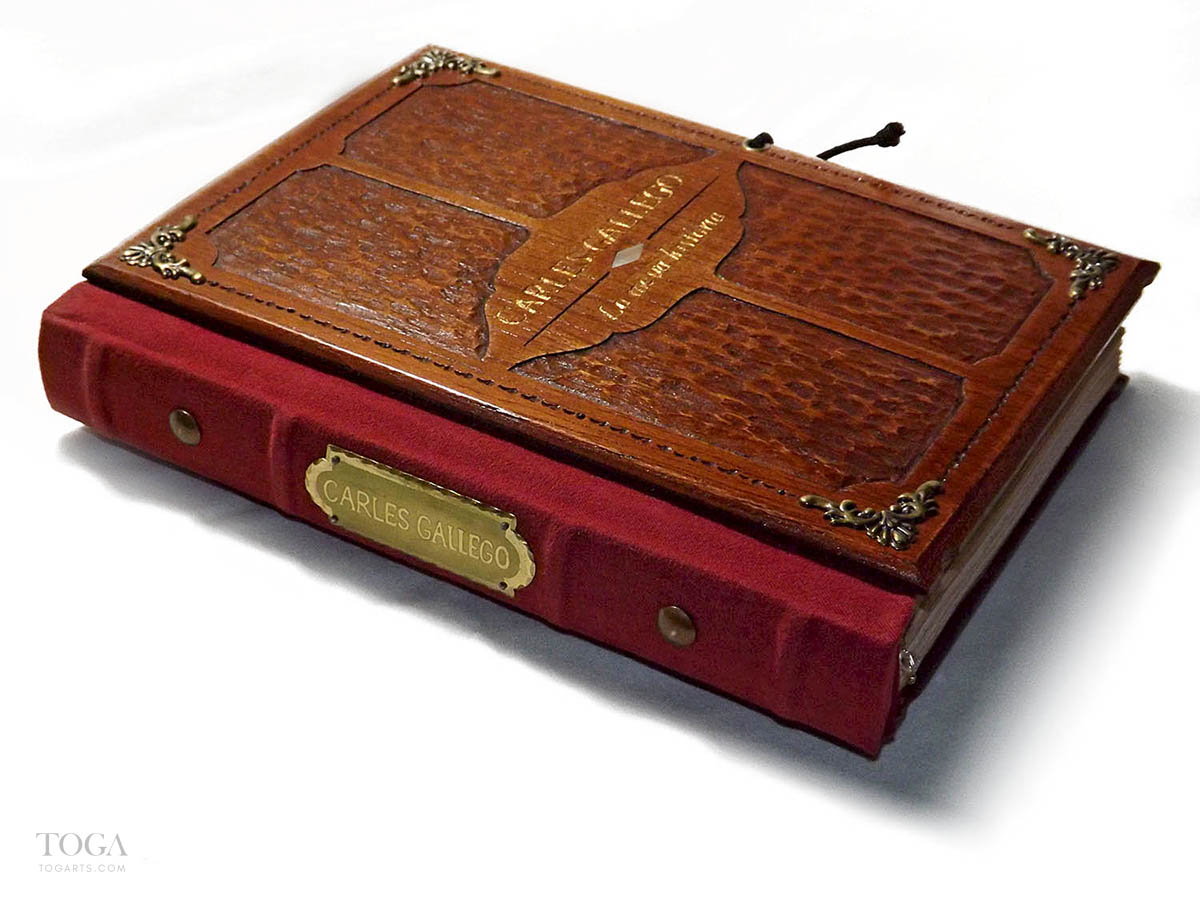 libro-artesanal-madera-hecho-a-mano-toga-01